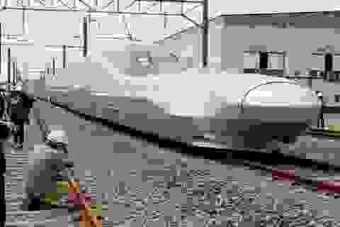 """Nhật Bản thử nghiệm """"tàu viên đạn"""" vận tốc gần 400 km/h"""