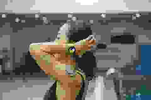 """Hana Giang Anh """"biến hóa khôn lường"""" với đồng hồ Galaxy Watch Active"""