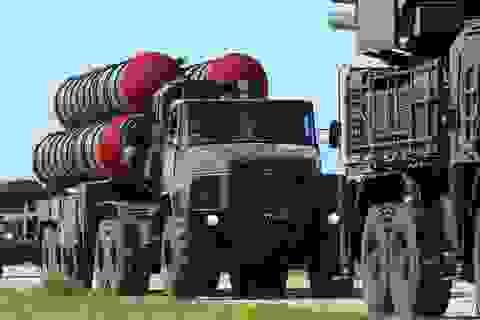 """Nghi vấn Ukraine tuồn """"rồng lửa"""" S-300 của Nga cho Mỹ"""