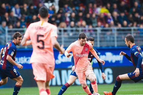 Messi lại thách thức Mbappe ở cuộc đua danh hiệu Chiếc giày vàng