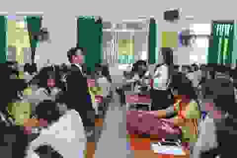 Nhiều trường và doanh nghiệp cam kết tạo việc làm cho sinh viên