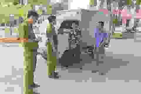 Bắt hai đối tượng không có bằng lái vẫn liều lĩnh trộm xe ô tô tải