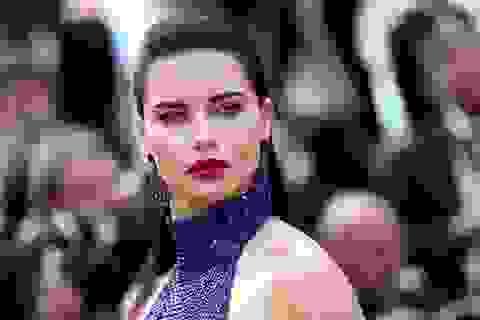 Adriana Lima trẻ đẹp tại Cannes