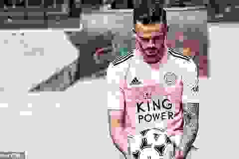 """Leicester City ra mắt mẫu áo đấu """"màu hường"""" gây sốc"""