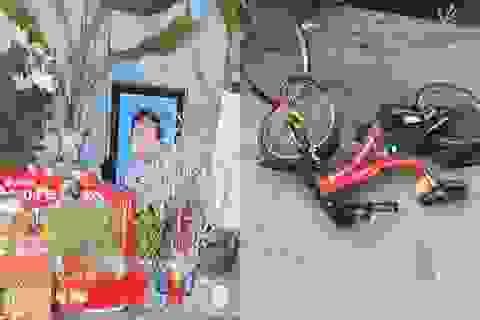 Đẫm nước mắt cảnh chị đạp xe chở em đón bố mẹ, bé 7 tuổi bị xe tông chết
