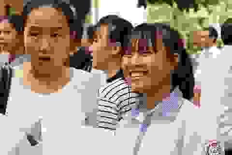 Đề Văn: Vừa sức; đề Anh: Nhiều thí sinh bỏ dở bài thi
