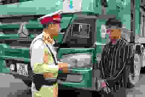 """Hà Nội: Phát hiện tài xế xe """"hổ vồ"""" dương tính với ma túy"""