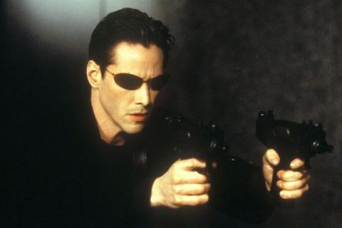 """Tài tử """"Ma trận"""" Keanu Reeves từng bị lừa đóng phim như thế nào?"""