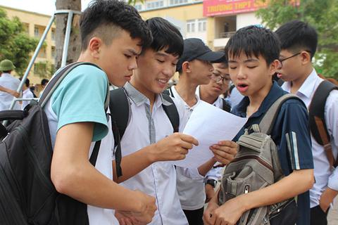 Thí sinh thú vị với đề thi Văn vào trường THPT Chuyên Hà Tĩnh