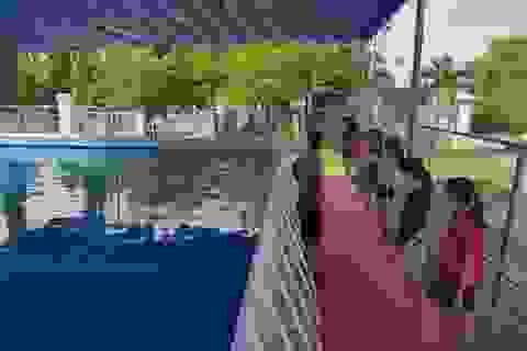 Đầu hè, học sinh Nha Trang đổ xô đi học bơi nhằm phòng đuối nước