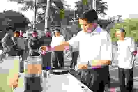 Chủ tịch Hà Nội Nguyễn Đức Chung thị sát công nghệ làm sạch sông Tô Lịch