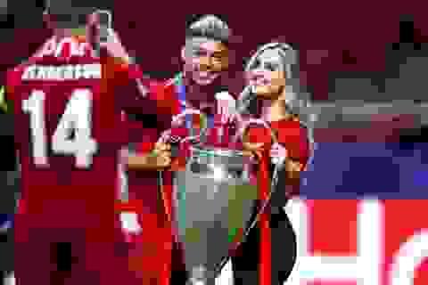 Cầu thủ Liverpool ăn mừng chức vô địch Champions League bên dàn bạn gái xinh đẹp