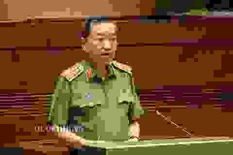 Bộ trưởng Tô Lâm: Mỗi bánh ma túy vào Việt Nam, 10 gia đình có người đi tù!