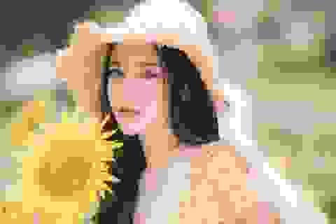 Hot girl ĐH Thương mại gây thương nhớ với bộ ảnh bên hoa hướng dương