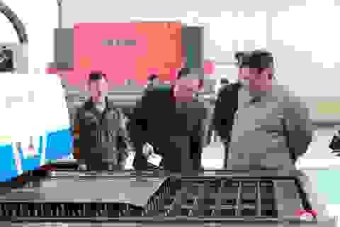 """""""Giải mã"""" chuyến thị sát tới hàng loạt nhà máy của ông Kim Jong-un"""