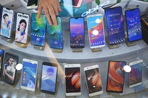 Huawei phản bác tin đồn cắt giảm sản xuất điện thoại thông minh