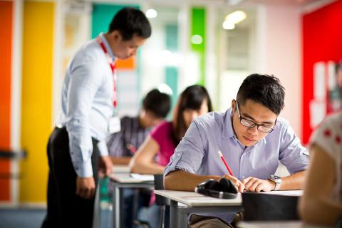Khi độ tuổi thi IELTS đang ngày càng trẻ hóa