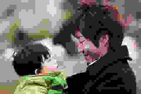 Nhật Bản khuyến khích nam giới nghỉ chăm con