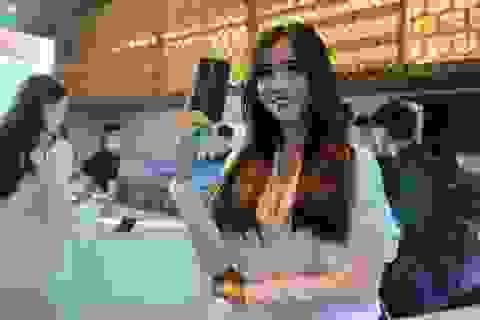 Smartphone vây cá mập Oppo Reno chính thức ra mắt, giá 12,9 triệu đồng