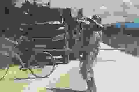 Hà Tĩnh: Người dân tiếp tục chặn xe vào mỏ đá để phản đối vì ô nhiễm
