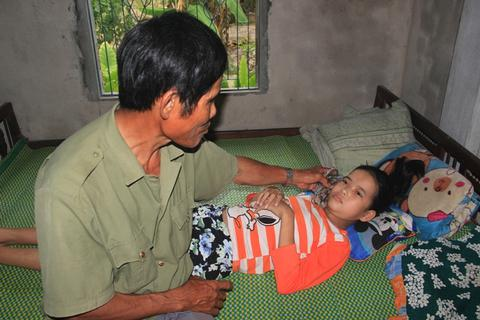 Đau lòng chuyện người cựu binh nguyện hiến thận để cứu con