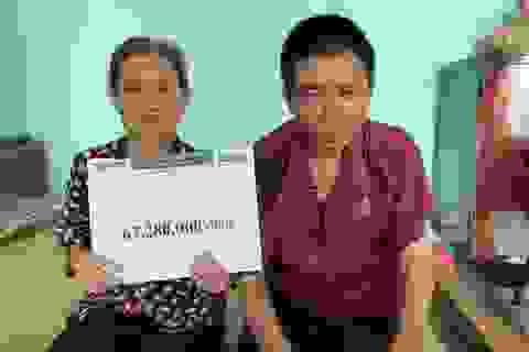 Hơn 67 triệu đồng của bạn đọc giúp đỡ cụ bà mò cua bắt ốc nuôi con trai động kinh