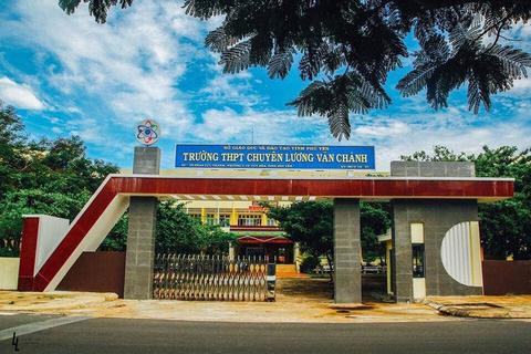 Phú Yên: Trường THPT chuyên Lương Văn Chánh công bố điểm chuẩn