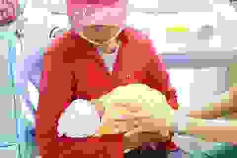 Mẹ bé sơ sinh bị bỏ rơi ở bệnh viện đến nhận con