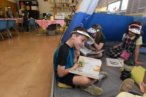 Cô giáo biến lớp học thành trại hè để tăng sự tập trung cho học sinh