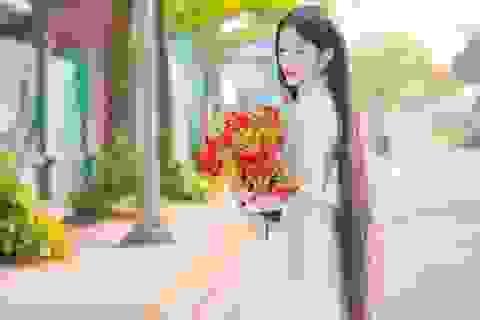 Cô gái có mái tóc dài hơn 1m nhớ về thời học trò ngập hoa phượng vĩ