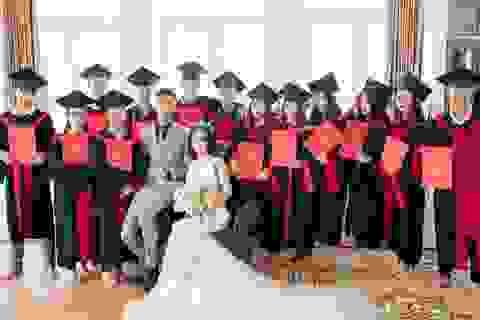 Cặp đôi Nghệ An chụp ảnh cưới kết hợp... kỷ yếu