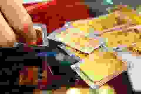 USD tăng mạnh, giá vàng giảm
