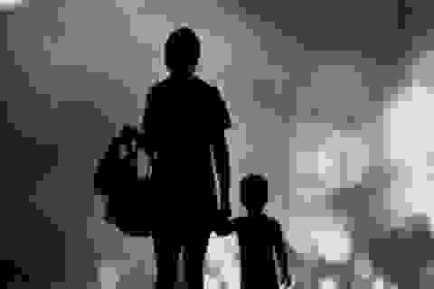 Hậu ly hôn, chồng cũ vẫn về nhà ngoại ăn ngủ bình thường