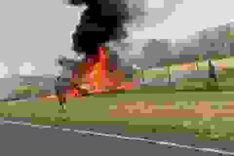 Máy bay gặp nạn bốc cháy như cầu lửa ở Hawaii, 9 người chết