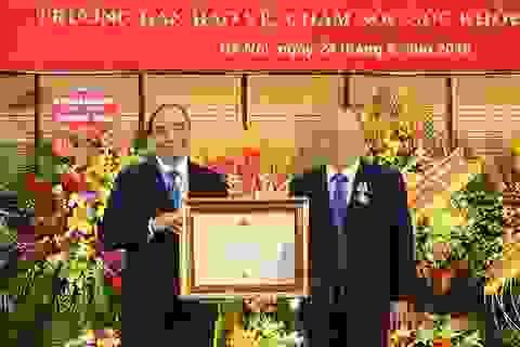 Thủ tướng dự lễ trao Huân chương Độc lập hạng Nhất cho Tiến sỹ, bác sỹ Nguyễn Quốc Triệu