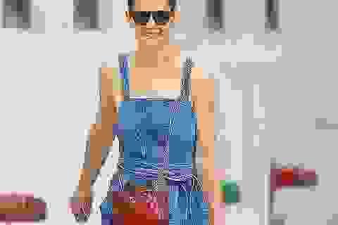 Katie Holmes bình thản sau tin đồn bé Suri không phải là con của Tom Cruise