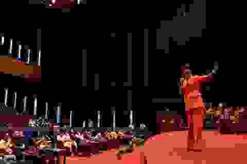 """Cô Uyên và cô Xuyến trong phim Về nhà đi con """"tỏa sáng"""" tại sự kiệnINTERNET SALES EXPLOSION"""