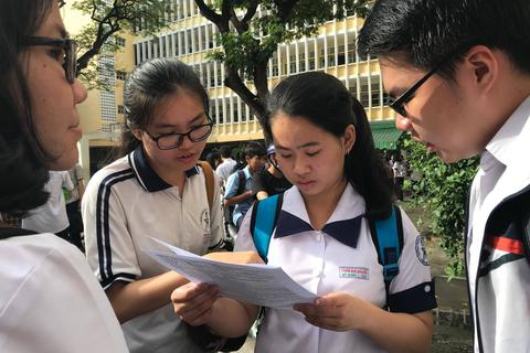 Thí sinh đạt 24 điểm trở lên được cấp học bổng toàn khóa học