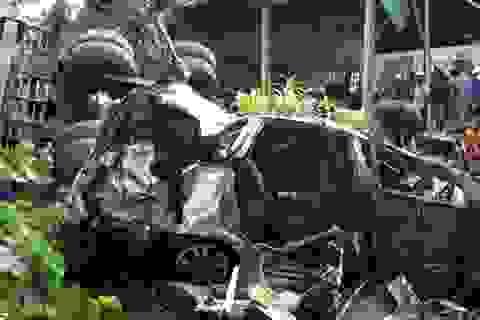 Vụ 2 ô tô rơi khỏi cầu: Do xe cẩu mất phanh, tuột dốc?