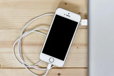 Tìm hiểu nguyên nhân tại sao iPhone sạc lâu hơn vào mùa hè
