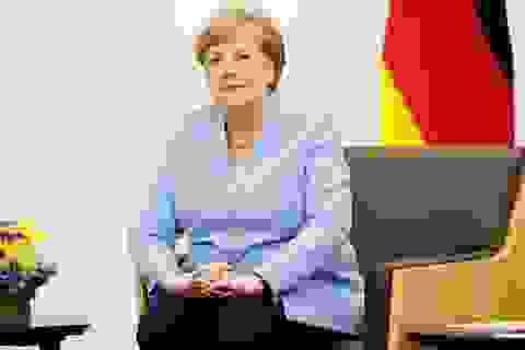 Thủ tướng Đức lên tiếng về những lần run lẩy bẩy