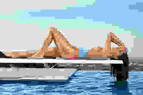 Olivia Munn đẹp như mộng với áo tắm