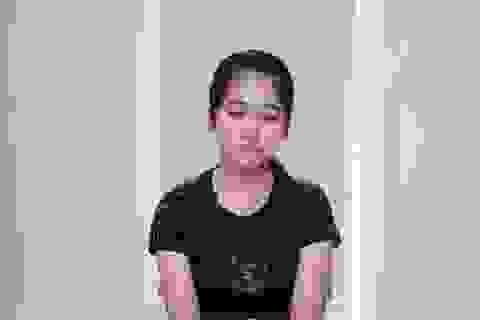 Rơi nước mắt với câu chuyện ngặt nghèo của nữ công nhân khiếm khuyết ngoại hình