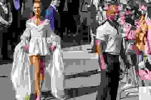 Celine Dion liên tục ghi điểm với gu thời trang sang trọng