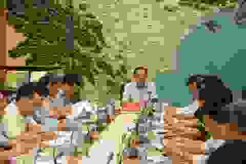"""Sáng mai bão vào Quảng Ninh - Ninh Bình, hơn 1.600 du khách vẫn """"mắc"""" ở Cô Tô"""