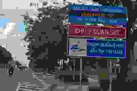 Biển cảnh báo tai nạn đầy ám ảnh trên đường về hầm vượt sông Sài Gòn