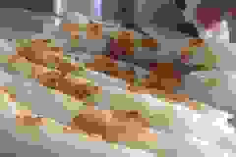 Chi cả chục triệu đồng tìm món... bánh mướt xứ Nghệ
