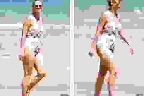 Katy Perry diện áo tắm lộ bụng tròn vo