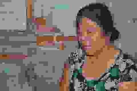 Xót xa cảnh bà cụ tuổi 70 cô đơn dưới mái nhà sắp sập!