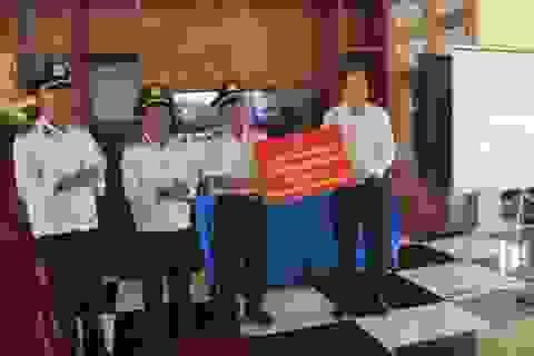 Trao hơn 1 tỷ đồng mua trang thiết bị Nhà đón tiếp Nghĩa trang Quốc gia Trường Sơn